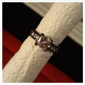 Jewelry - Pink Sapphire in Tungsten
